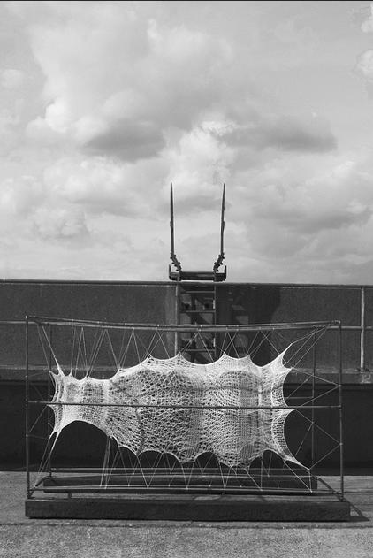 Knest sculpture by Abigail Dace- photo by Neil Clasper 14:5:13